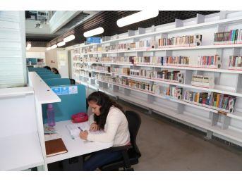 4 Bin 500 Kitap Gebzeli Çocukları Bekliyor
