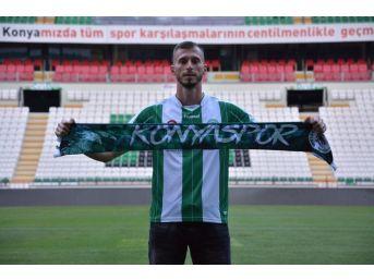 Atiker Konyaspor, Hırvat Stoperle 3 Yıllık Sözleşme İmzaladı