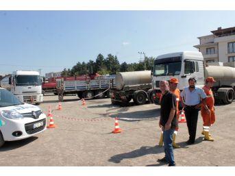 Asit Tankerindeki Sızıntı Polisi Alarma Geçirdi