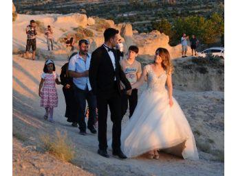 Peribacaları'nda Düğün Fotoğrafları Tutku Haline Geldi