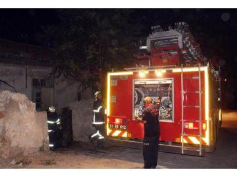 Niğde'de Metruk Bina 6 Ayda İki Defa Yakıldı