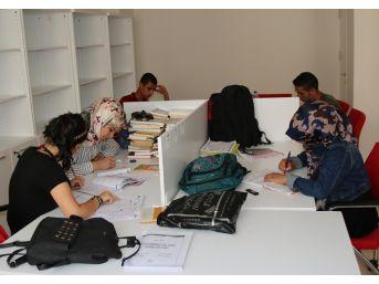 Haliliye Belediyesi İle 65 Öğrenci Üniversiteli Oldu