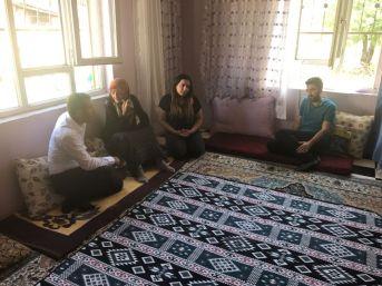 Başkan Kahraman, 91 Yaşındaki Sabiha Nineyi Ziyaret Etti