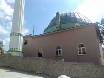 Gürpınar'da Okul Ve Camilerin İhtiyaçları Gideriliyor