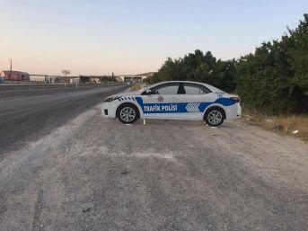 Niğde'de Yol Kenarlarına Maket Trafik Polisi Aracı Konuldu