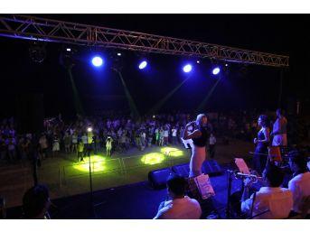 Büyükşehir Belediyesi'nden Tatilcilere Konser