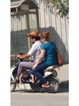 Denizli'de Trafikte Pes Dedirten Görüntü
