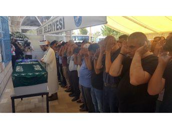 Abd'de Hayatını Kaybeden Tuğbanur Karataş İçin Cenaze Namazı Kılındı