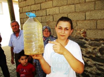 Ödemiş'in Bir Mahallesinde Musluklardan Çamur Akıyor