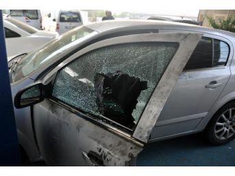 Otomobilin Camını Kırıp 39 Bin Lira Çaldılar