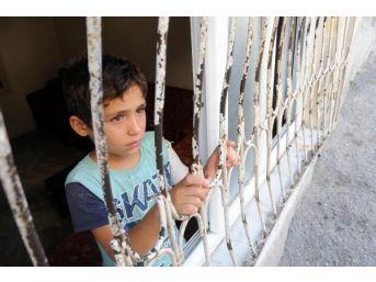 Polis, Suriyeli Çocuklara Sahip Çıktı
