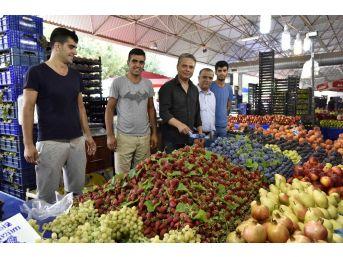 Başkan Uysal, Çağlayan Pazarı'nda