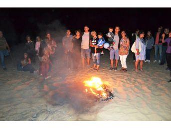 Ayvalık'ta 25. Uluslararası Engelliler Şenliği Kamp Ateşiyle Sona Erdi