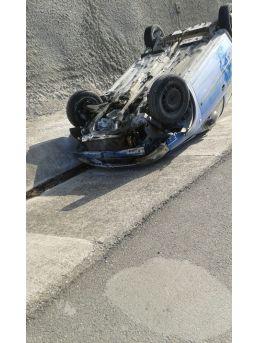 Osmaneli'de Otomobil Takla Attı: 2 Yaralı