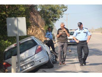 Virajı Alamayan Otomobil Karşı Şeride Geçti: 1 Yaralı