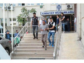 3 Kilo Esrarla Yakalandı Adliyeye Çocuğuyla Götürüldü
