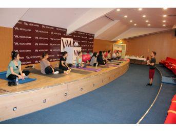 Anne Adayları Doğuma Pilates İle Hazırlanıyor