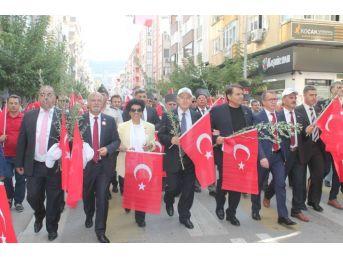 Zeytin Festivalinde Renkli Yürüyüş
