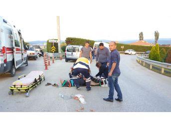 Elektrikli Bisiklet İle Otomobil Çarpıştı: 1 Yaralı