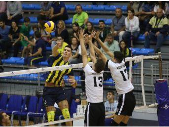 Fenerbahçe, Efeler Ligi'ne Derbi Galibiyetiyle Başladı