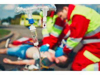 İaü'lü Paramedikler Aldıkları Eğitimlerle Hayat Kurtarıyor