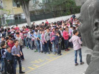 'suriyeli Öğrenciler Imam Hatiplere Yönlendirilsin' Genelgesi