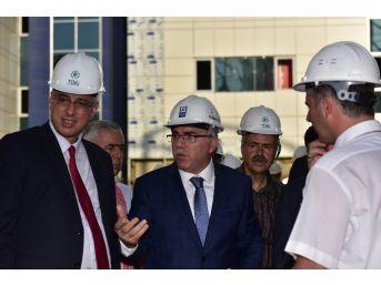 Toki Başkanı Ergün, Seyrantepe Ve Sultanbeyli Hastane İnşaatlarını Ziyaret Etti