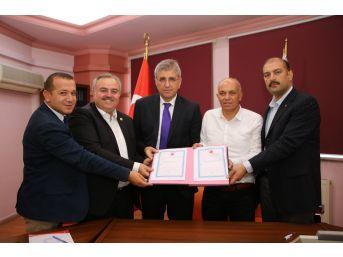 Karaman'da Serbest Bölge İçin Arsa Devir Teslimi Yapıldı