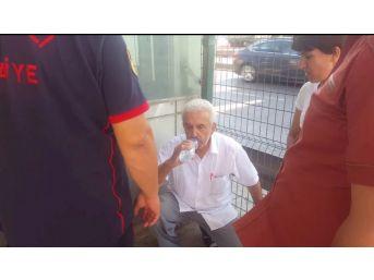 Asansörde Mahsur Kalan Yaşlı Adamı İtfaiye Ekipleri Kurtardı