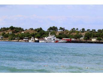 Kandıra'da Alabora Olan Tekneden Kurtarılanlar Kıyıya Getirildi