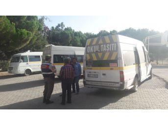 Jandarma Komutanlığı Servis Araçlarını Denetledi