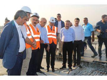 Bakan Elvan, Liman-hal Kavşağındaki Çalışmaları İnceledi