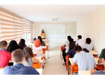 Büyükşehir Belediyesi, Ücretsiz Kurslarla Gençleri Üniversiteye Hazırlıyor