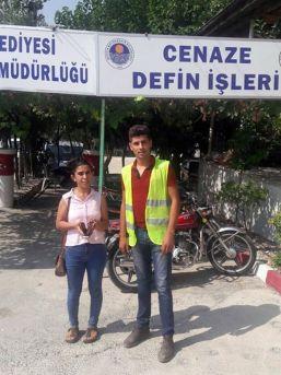 Mersin Büyükşehir İşçisi Bulduğu Cüzdanı Sahibine Teslim Etti