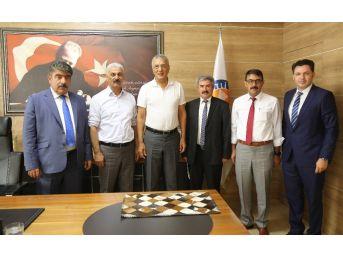 Niğde Belediye Başkanları Neşet Tarhan'ı Ziyaret Etti