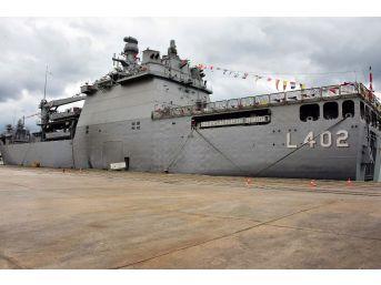 Dünyanın En Büyük Tank Çıkarma Gemisi 'tcg Bayraktar' Samsun'a Çıkarma Yaptı