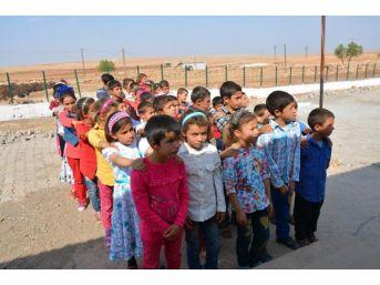 Pkk'nın Şehit Ettiği Necmettin Öğretmenin Okulunda Hüzünlü Ders Başı