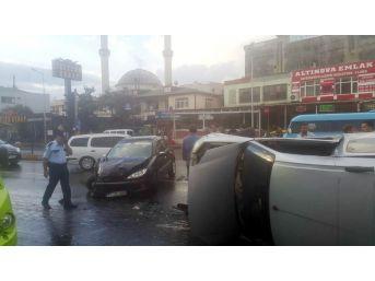 Yalova'da Trafik Kazası: 2 Yaralı