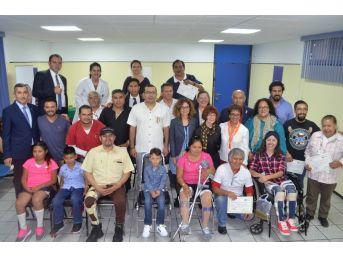 Tika Meksikalı Hastalara Şifa Dağıtıyor