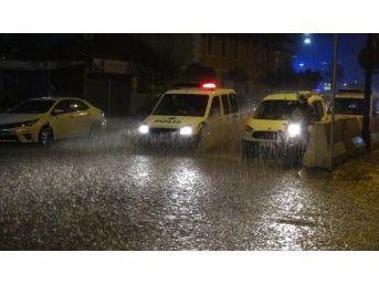 Bandırma'da Yağmur Etkili Oldu