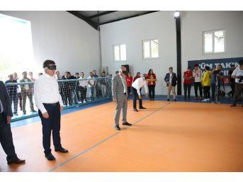 Vali, Milletvekili, Belediye Başkanı Maske Taktı, Goalball Oynadı