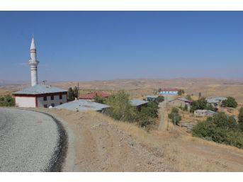 Günbalı Köyü Yol Ve Minareye Kavuştu
