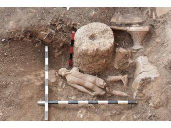 Isparta'Daki Pisidia Antiokheia Antik Kenti'Nde Apollon Heykeli Bulundu