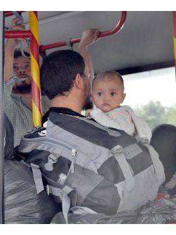 Kaçak Yollarla Gelen 130 Uygur Türkü, Kayseri'ye Getirildi...