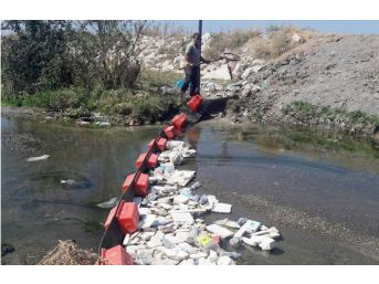 Van Büyükşehir Belediyesi'nden Van Gölü'ne Akan Derelere Bariyerli Önlem
