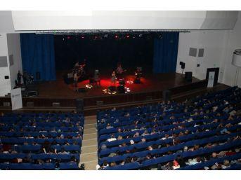 Başkent'te Minor Empire Konseri