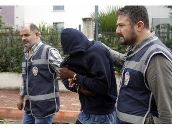 Antalya'da Fuhuş Yaptıran Yeni Gineli Öğrenci Adliyeye Sevk Edildi