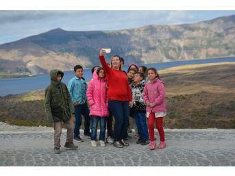 Köy Okulu Öğrencileri İlk Defa Nemrut Krater Gölü'nü Gezdi
