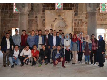 Kyk Öğrencileri Tarihi Mekanları Gezdi