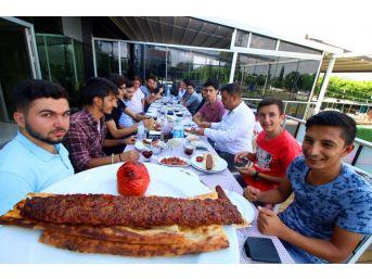 Kyk'ya Kayıt Yaptıran Öğrencilere Adana Gezisi